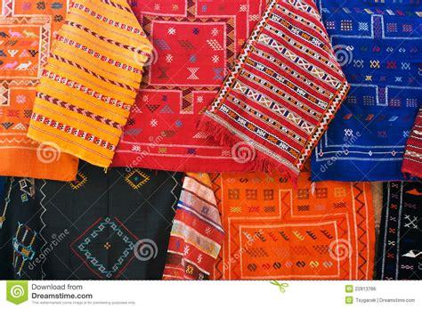 teppiche marrakesch traditionelle teppiche auf dem markt in marokko