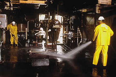 Industrial Cleaning Company in New York   First Class