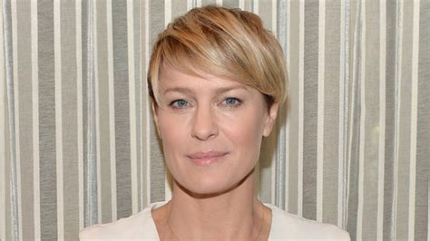 Robin Wright S Hair Color Change In House Of Cards | robin wright buys 2 5 million n y c apartment instyle com