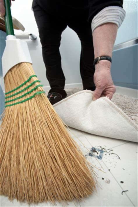 swept the rug don t sweep feedback the rug bothsides of the table