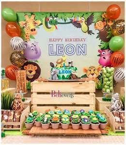 animal themed decorations best 25 zoo birthday ideas on animal