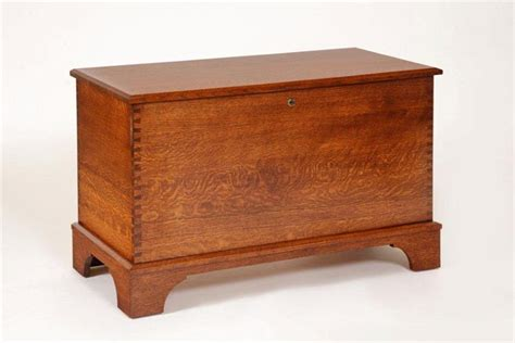 Quarter Sawn Oak Bedroom Furniture Amish Quarter Sawn Oak Storage Chest With Shaker Base From