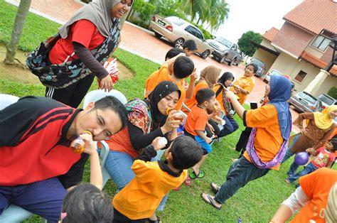Baju Sekolah Kena Tepung zara hanie hari keluarga jkw jom berkung