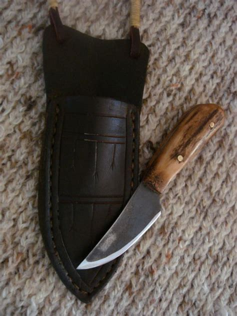 Handmade Mountain Knives - handmade mountain antler patch knife and neck sheath
