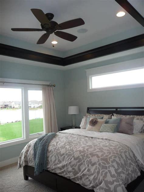 small bedroom windows best 25 window above bed ideas on pinterest