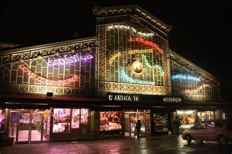 torino porta palazzo mercato mercato di porta palazzo torino italia tram picture