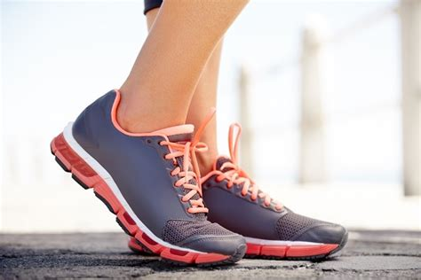 how to choose running shoes for flat how to running shoes for flat