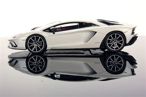 Lamborghini Aventador Models Lamborghini Aventador S 1 43 Looksmart Models