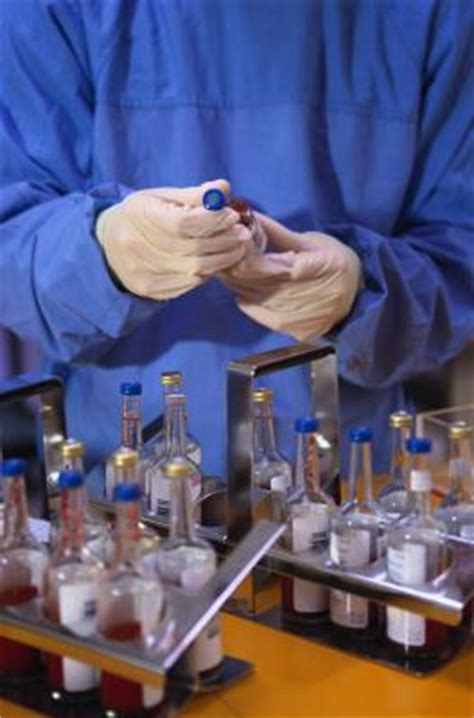 canadian medical lab assistant schools career information