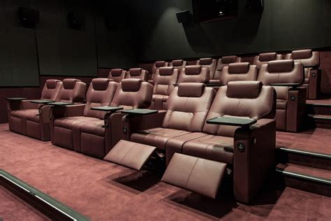 recliner movie theater las vegas the frame 174 cocktail carts luxury seats 4dx how movie