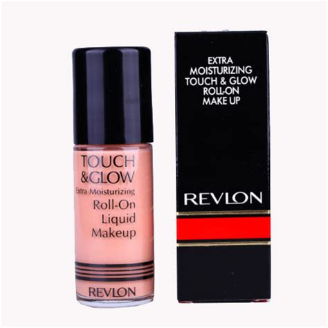 Pembersih Wajah Revlon revlon touch glow roll on make up 38ml elevenia