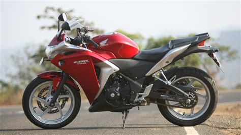 honda cbr bike price and mileage honda cbr250r 2016 c abs price mileage reviews