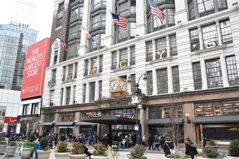 The 10 Best New Stores In New York 2015 | the best places to shop in new york gray line new york