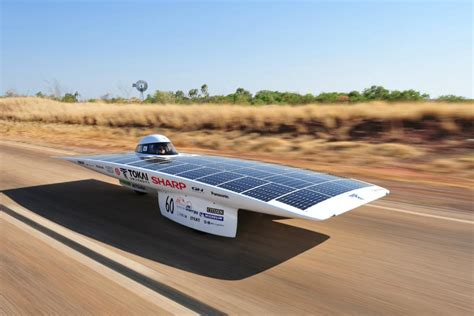 how many miles when gas light comes on toyota camry world solar challenge solar powered cars begin race