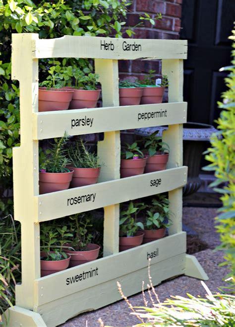 herb garden   pallet  home design garden