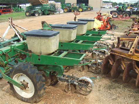Deere 7100 Planter Parts by 1978 Deere 7100 Planting Seeding Planters