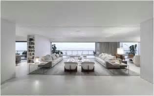 deco salon blanc tapis canap 233 s gris clair rideaux gris