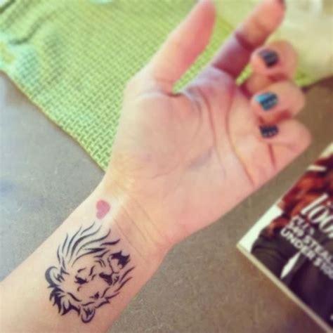 lion tattoo placement die besten 17 ideen zu small lion tattoo auf pinterest