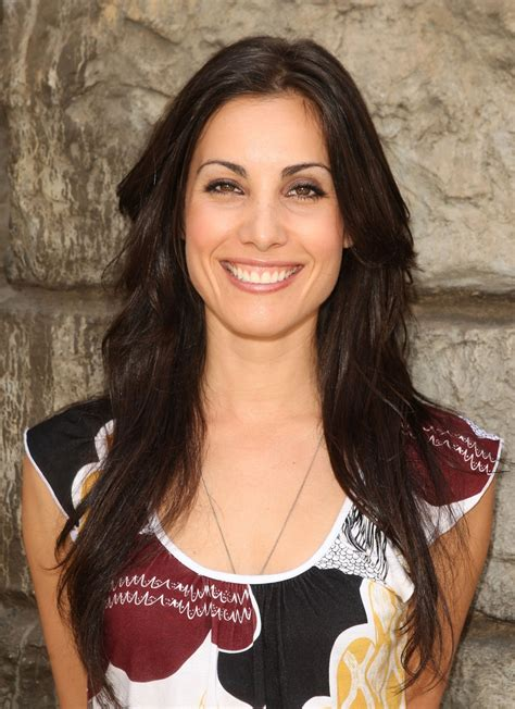who is the woman that is in the liberty mutual tv commercial carly pope photo 7 of 12 pics wallpaper photo 311222