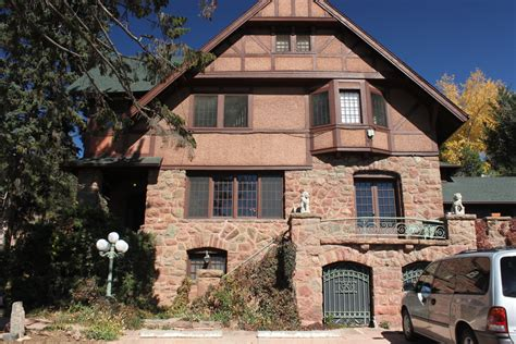 haunted houses in colorado onaledge manitou springs colorado s very haunted hotel