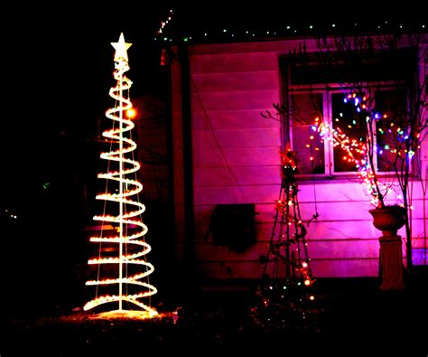 spiral christmas tree and lights picture free photograph