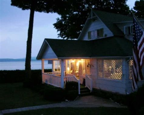 Petoskey Cabin Rentals by Petoskey Michigan
