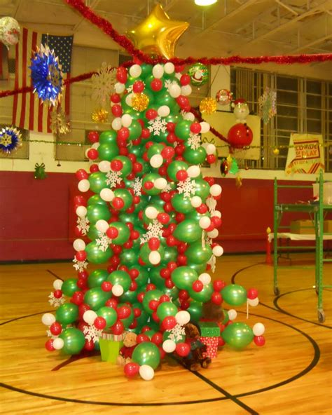all outdoors christmas balloons balloon decoration ideas time for the holidays