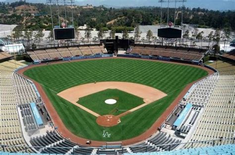affordable places  dine  drink  dodger stadium