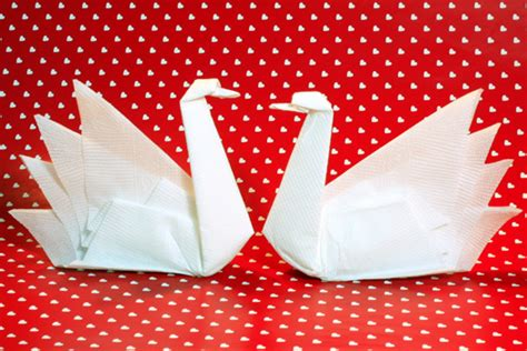 How To Do Napkin Origami - origamisan origami napkin folding swan