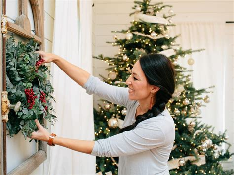 Magnolia Homes joanna gaines farmhouse christmas decor is cheery and charming