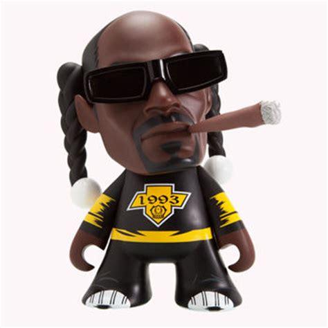 snoop dogg bathtub iconic rapper toys snoop dogg figurine