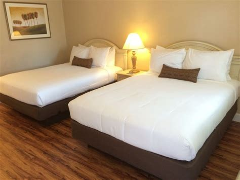 candle bay inn monterey best monterey ca hotels motels bed breakfasts and