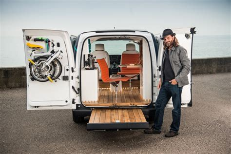 nissan nv200 office nissan e nv200 is world s first all electric mobile office