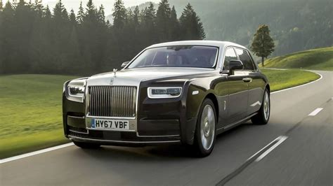 2018 rolls royce phantom drive defining luxury