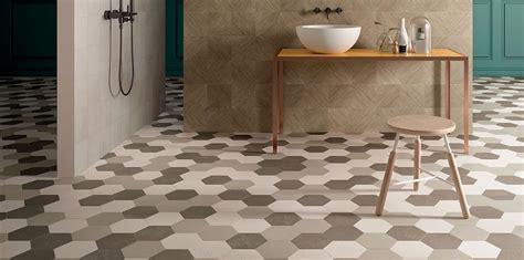 piastrelle ottagonali cementine esagonali in bagno come utilizzarle per un