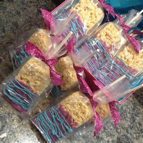 how to make white chocolate lollipops for baby shower baby shower treats for your guests baby ideas