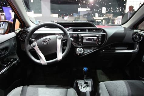 toyota prius  detailed review  specifications