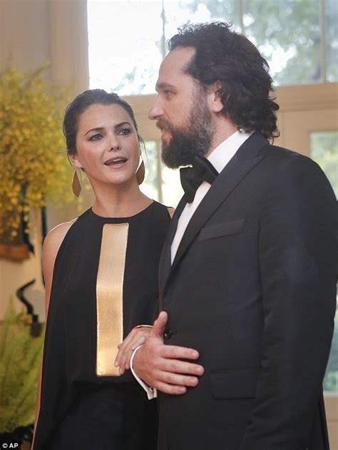 matthew rhys wedding the americans keri russell and matthew rhys enter white