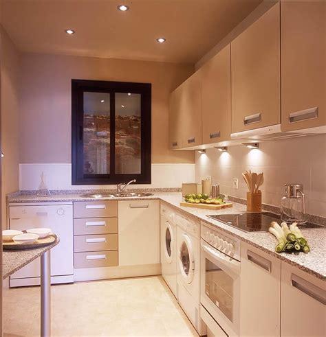 small size kitchen design discreta y completa muebles de cocina
