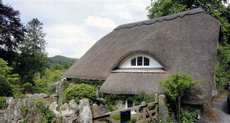 Special Cottages Uk by Helpful Holidays Save 25 Uk Family