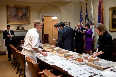 white house pizza barack obama s food favorites revealed in white house photos