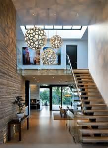 wohnung mit treppe treppe mit glasgel 228 nder f 252 r schickes interieur archzine net
