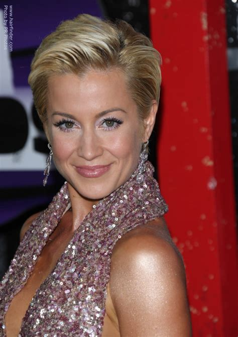kellie pickler haircut front and back view kellie pickler s pixie short and simple slicked back