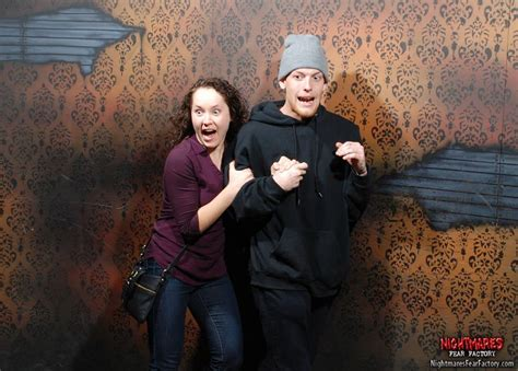 haunted house funny pictures 20 priceless haunted house reactions pleated jeans