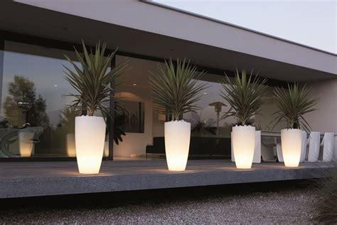 vasi da esterno illuminati vasi esterno vasi da giardino modelli di vasi da esterno