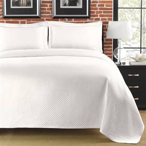 Diamante Matelasse White Full Queen Size Coverlet