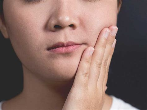 what are the causes and symptoms of jaw pain ehow jaw pain symptoms causes and treatments