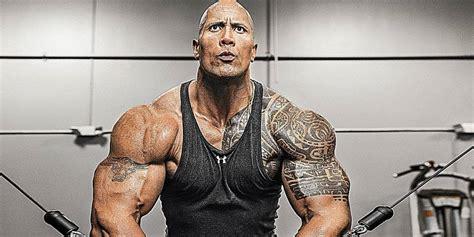 tattoo do ator dwayne johnson ele voltou the rock divulga seu treino para o filme