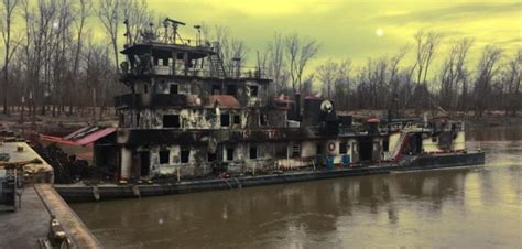 tow boat mississippi crew safe after mississippi towboat fire workboat