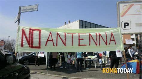 vodafone sede roma casal brunori i residenti organizzano un presidio sotto
